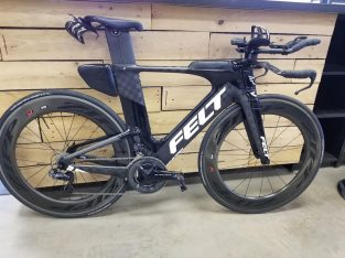 Felt Bicycles 2018 IA FRD 54cm – Black Textreme Carbon, Zipp, Stages, Duraace—–3000Euro