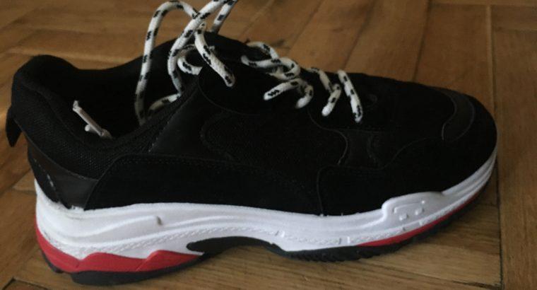 Eladó sportcipő!
