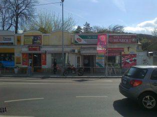 Budán, Hűvösvölgyben üzlethelyiség kiadó