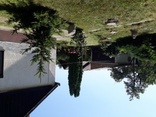 Felújítandó családi ház Hatvanban,Újhatvani városrészen eladó.Irányár: 9.800.000