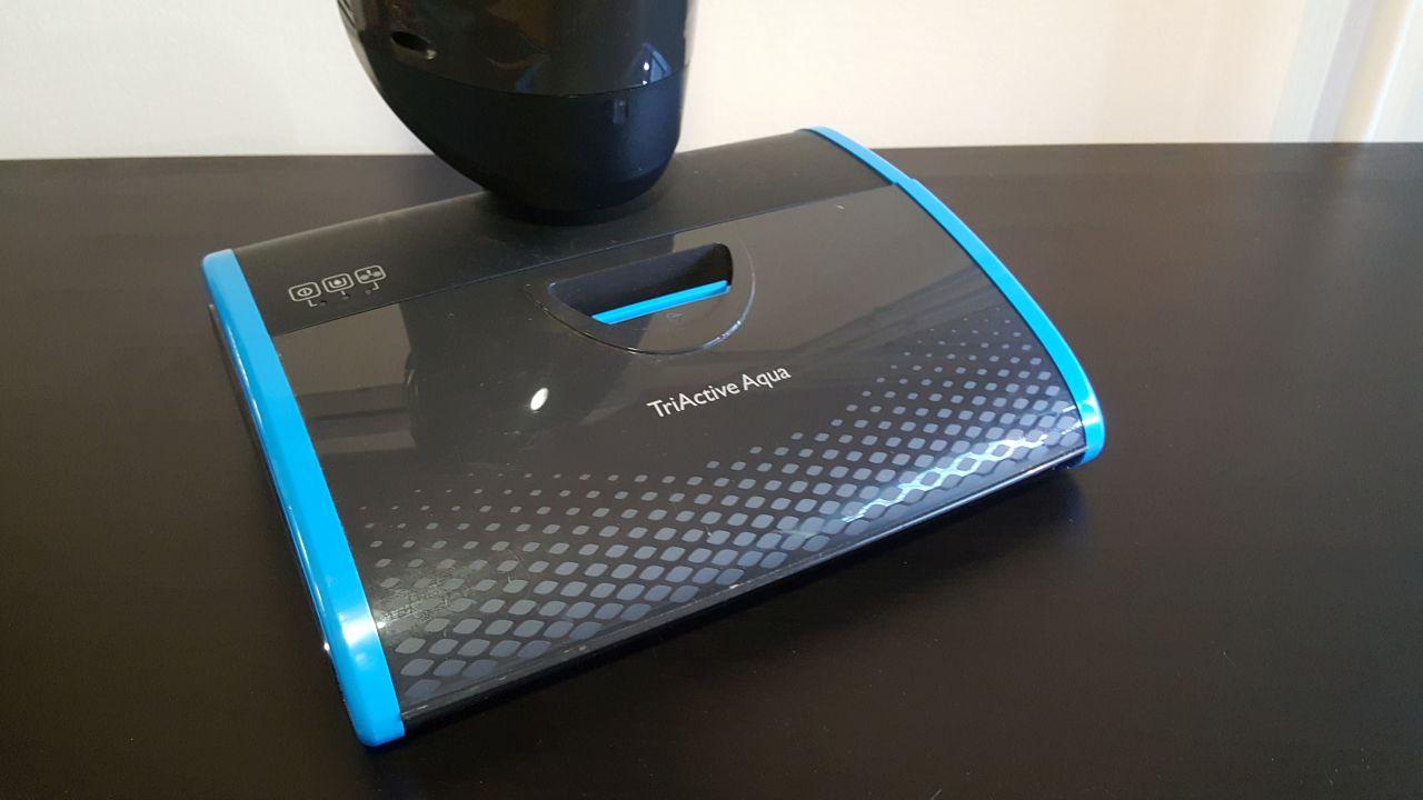 ELADÓ: Philips AquaTrio Pro – felmosógép
